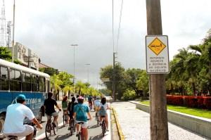 placa de distância ao ultrapassar o ciclista