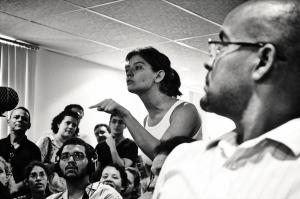 Cena da audiência pública sobre o Novo Recife - 22 Março de 2012. Interpelando a prefeitura pela falta de estudos prévios de impacto