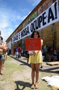 No primeiro #OcupeEstelita, manifestantes já cobravam a preservação das ZEIS e apontavam para a ligação entre o projeto Novo Recife e as ameaças às comunidades carentes