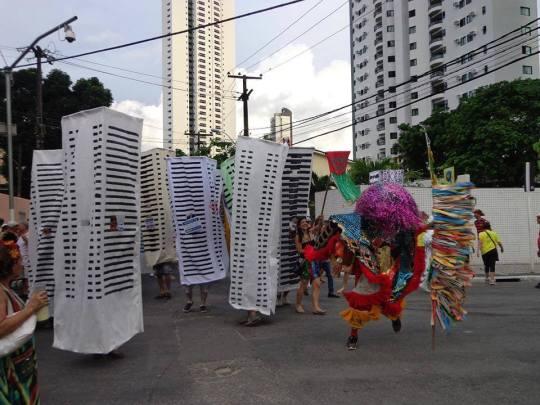 No Bloco Pisando na Jaca. Caboclo de Lança do Maracatu Rural. Foto: Catarina Cabral