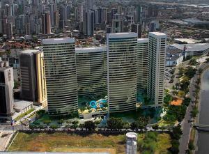 A imagem clara de um subúrbio de luxo verticalizado: o Evolution Shopping Park, com acesso direto ao Shopping Recife